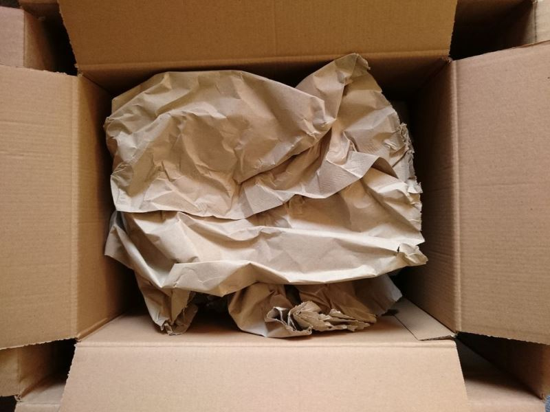 Elephant Self Storage Monthly Top Tip : Packing Plates